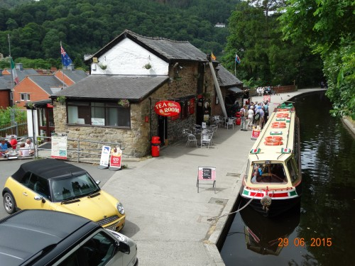 Tea rooms and horse drawn boat trips in the wharf