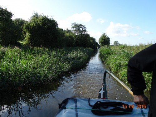 A narrow stretch on the Staffs and Worcs with overgrown reeds. There are many stretches like this along the way. Why is it we always meet boats coming the other way!!