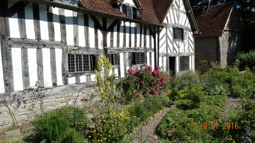 Mary Arden's farm. Supposedly Shakespeare's mother was thought to have lived here, but in recent years it has been found she lived 30 yards away at Glebe farm. The buildings seen as her house weren't built until after she died.