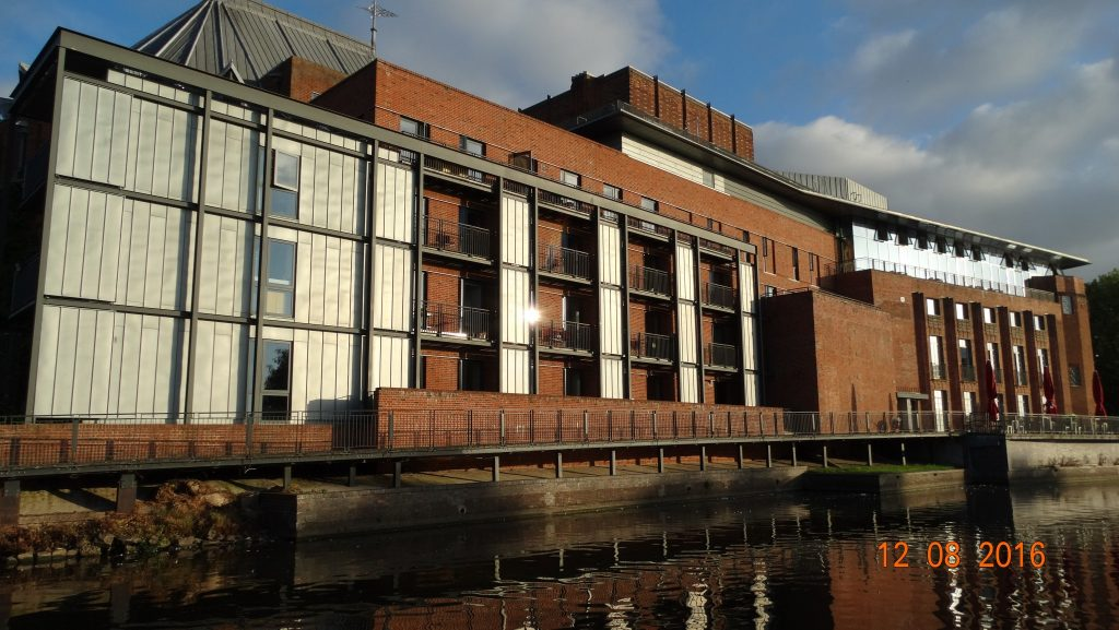 Passing the RSC theatre